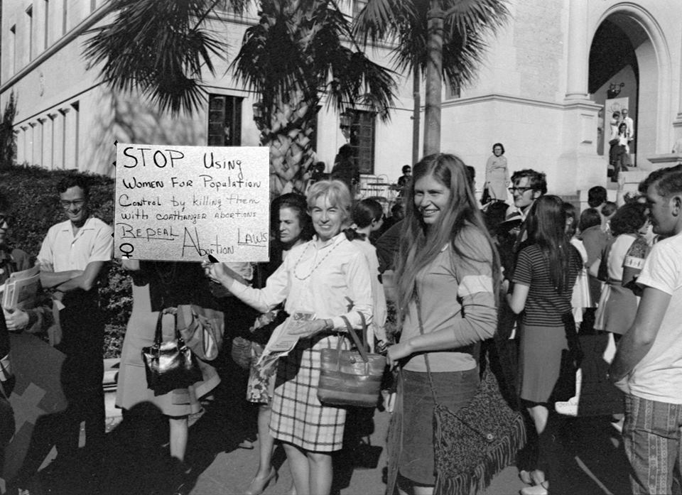 the womens rights movement of the Emancipation of women is the process of setting women free from legal, social and political restrictions it is an effort to they tried to raise awareness of how the women's rights movement and feminism could help ordinary women overcome all the obstacles.